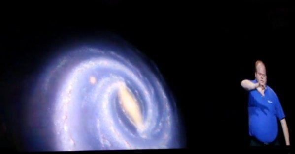 En Microsoft-representant styrer hele Universet ved hjelp av Kinect...