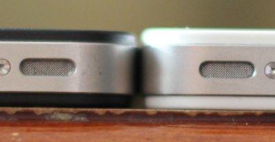 Ikke vanskelig å se at hvite iPhone 4 er bittelitt feitere enn den svarte modellen som ble lansert i statene juni 2010.