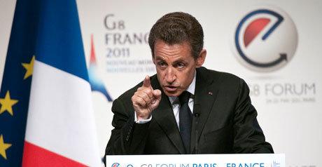 Frankrikes president Nicolas Sarkozy advarer mot at nettet blir et parallellunivers der egne regler gjelder.