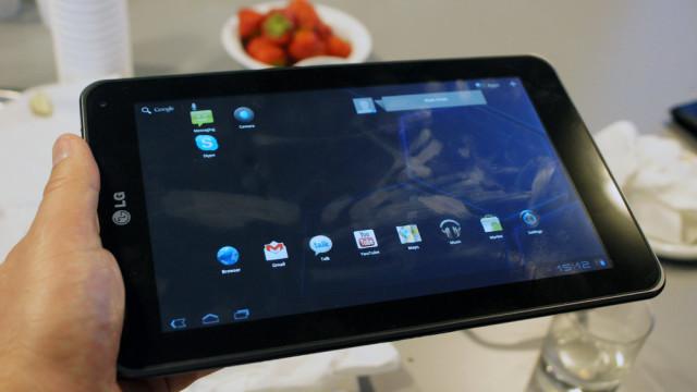 Bonusbildet av Optimus Pad med Android 3.0, som også kommer i løpet av sommeren.
