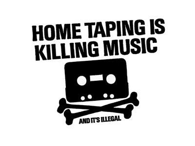 Dette skiltet brukte musikkbransjen den gangen kassetter var problemet. Nå ser det endelig ut til å bli lov å kopiere ting du har kjøpt, til eget bruk.
