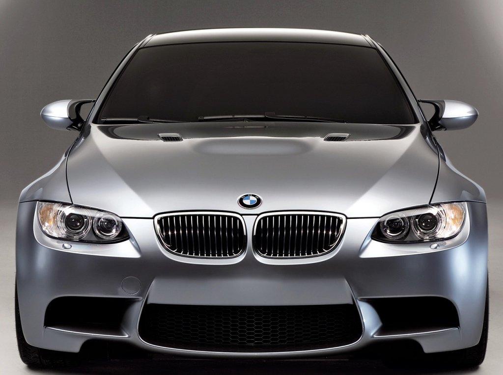 Tyske BMW kommer nå med innebygd nettsøk i Kina.