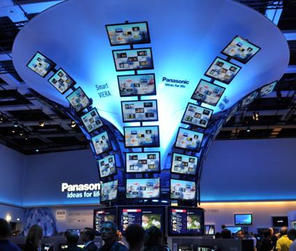 Panasonic har en hel hall for seg selv. Her er det ikke spart på dekorasjonene.