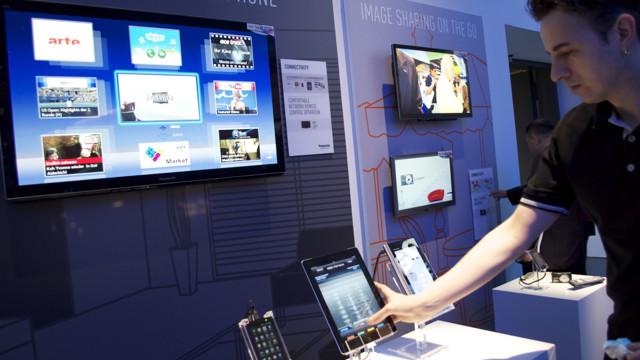 Panasonics TV-app gjør utvilsomt TV-tittingen morsommere - helt til batteriet går ut på iPad-en... (finnes også for Android)