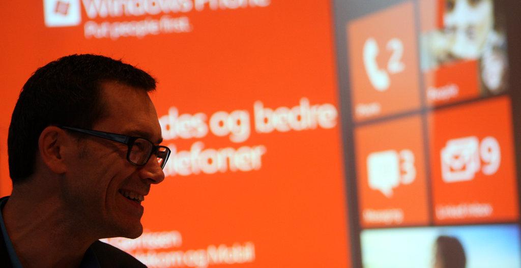 Dette bildet er ikke fra Kina, men derimot fra den norske prestasjonen av Windows Phone 7.5. I forgrunnen Global Account Technology Officer Petter Merok.