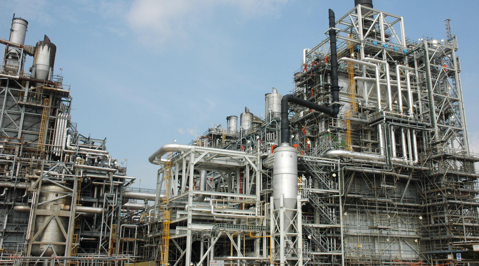 Hele 29 kjemiske fabrikker i mer flere land ble mellom april og august i år utsatt for snoking i formler og produksjonsplaner. (Fabrikken på bildet er ikke rammet)