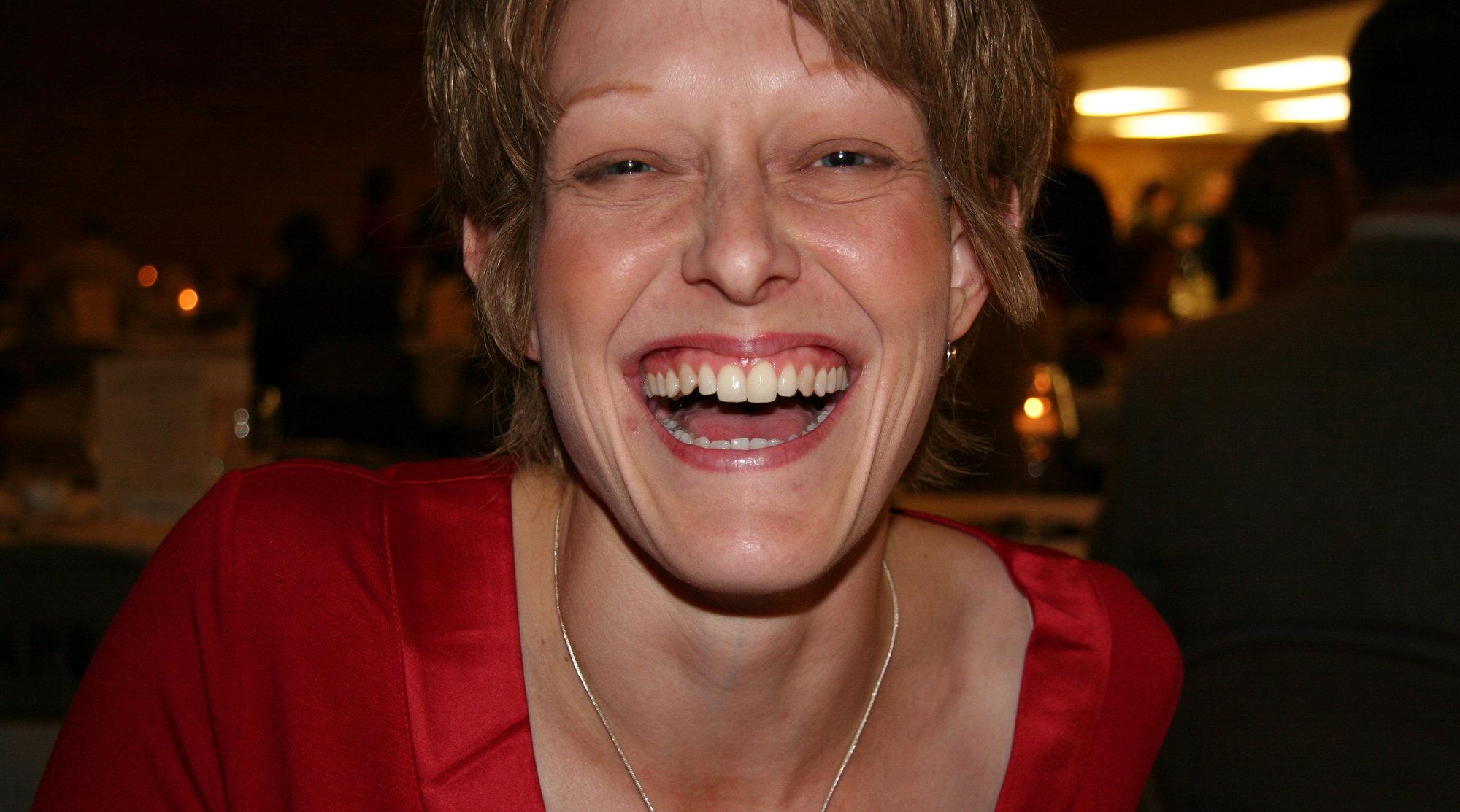 En god latter forlenger livet. Og mye av den kommer via Twitter.