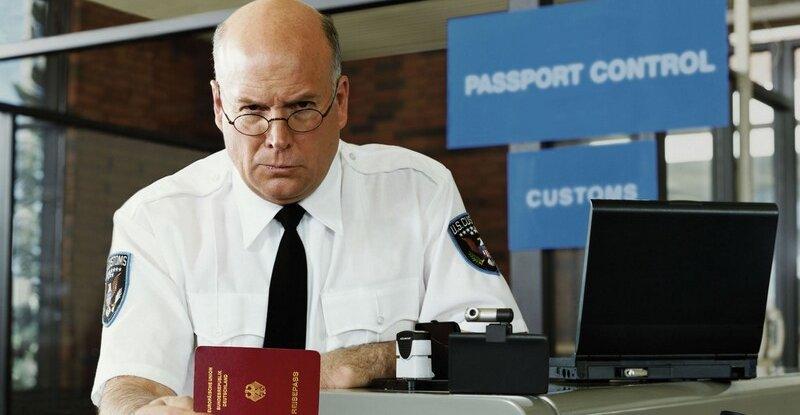 Vanligvis er det bare det papirbaserte passet som gjelder. Men amerikanske politifolk gjorde et unntak før jul.