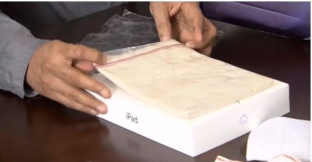 SKUFFET: I boksen var det bare en stsandard Zipper-plastpose fylt med lire...