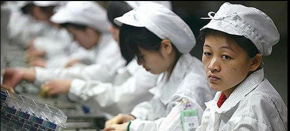 Arbeidere ved Foxconn-fabrikkene får det bedre. Målet er å ende på 40 timers uke, slik det er i Norge.