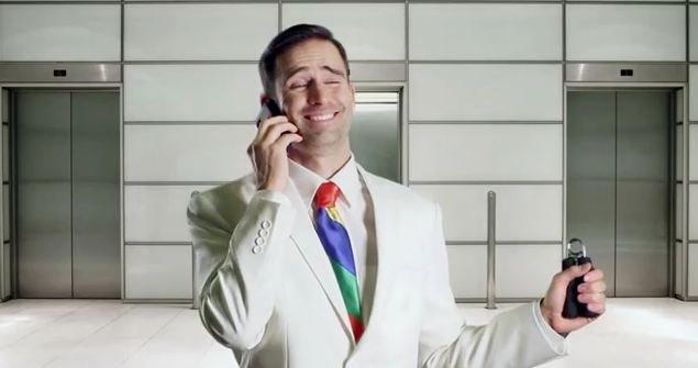 Flåsete, utforberedt og uten plan for fremtida. Slik er den typiske Google-selgeren, skal vi tro er fersk reklamevideo fra Microsoft.