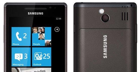 Samsung Omnia 7 med Windows Phone 7 (senere oppgradert til Windows Phone 7.5).