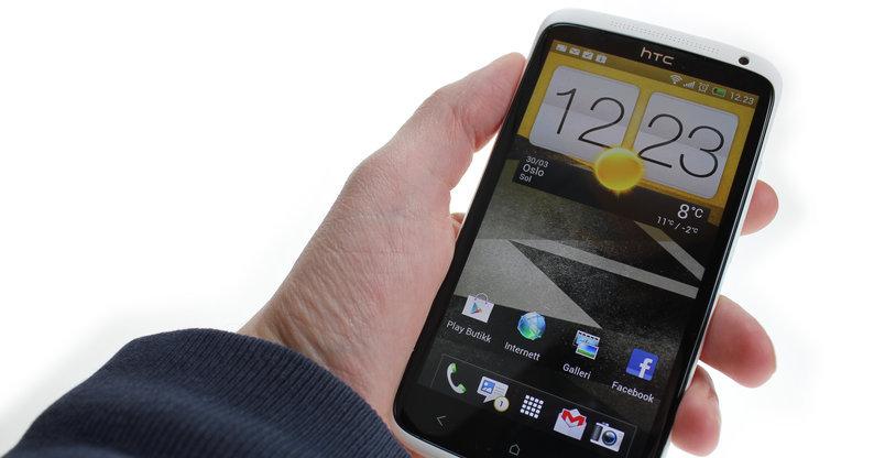 HTC One X.