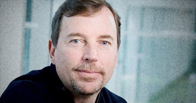 Har Yahoo-sjefen Scott Thompson IT-utdannelse eller ikke? Det vil styret nå finne ut.