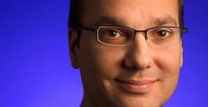 Andy Rubin forklarer at han ikke ønsker å forlate Google. Han forklarer også på sin Google+-side hvorfor ryktet startet.