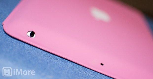 iMore slakter Apples nye iPad-tilbehør. Som man ser av bildet er 3.5 mm-inngangen delvis tildekket av Smart Case.