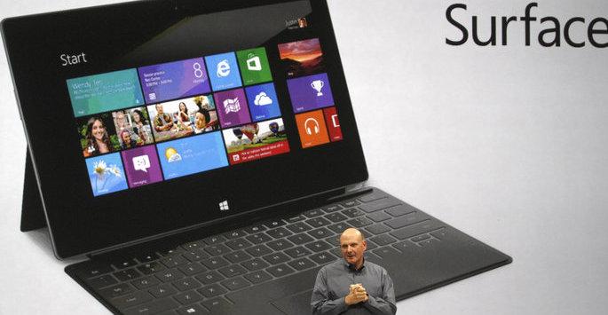 En overraskende lite entusiastisk Steve Ballmer viste frem Surface.