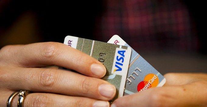 Om noen har tatt ut penger med kortet ditt og du VET at de ikke har fått tak i PIN-koden, kan du bli holdt skadefri.
