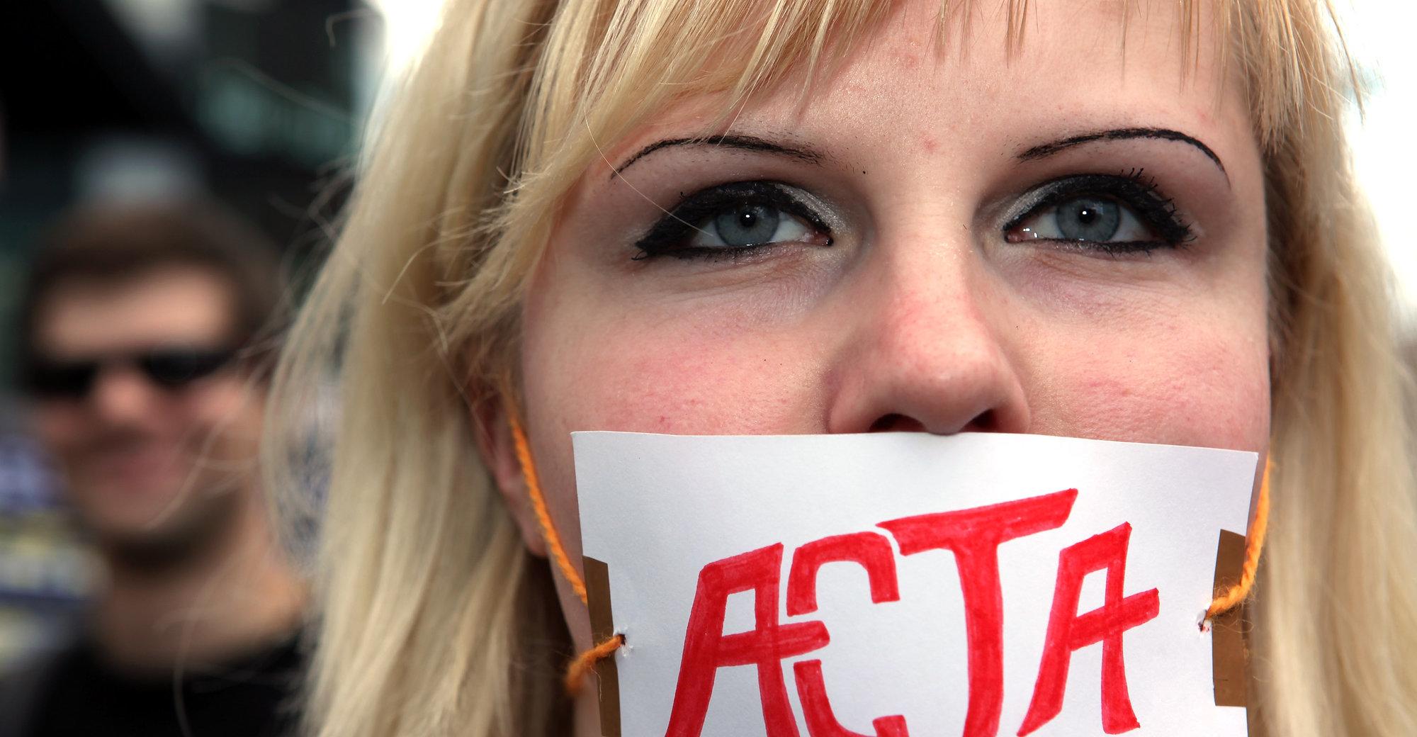 Ungdommer over hele Europa engasjerte seg sterkt mot ACTA-avtalen. Her fra en demonstrasjon i Berlin i forrige måned.