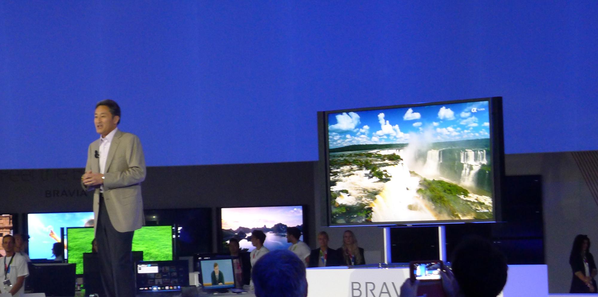 Sonys toppsjef Kazuo Hirai kunne stolt vise fram selskapets første 84-tommer med 4K-teknologi.