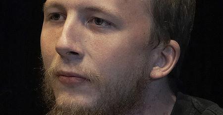 Gottfrid Svartholm Warg kan reise fritt ut av Kambodsja. Det betyr at han kan slippe unna svensk politi nok en gang.