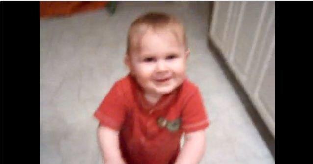 Holden Lenz var to år gammel den gangen bråket startet. Han hadde neppe noen idé om at han frontet en prinsippsak...
