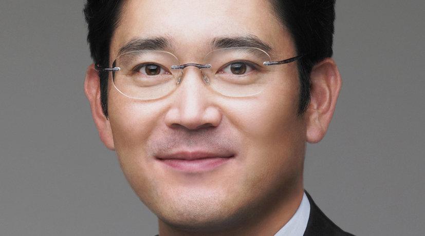 Jay Y. Lee inntar nå stolen ved siden av faren i Samsungs styre.