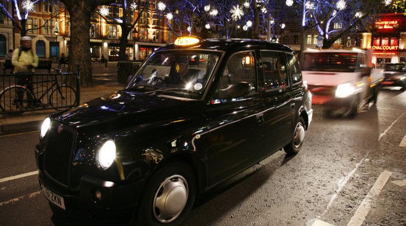 Londons tradisjonsrike drosjer får gratis, trådløst nett fra nyttår.