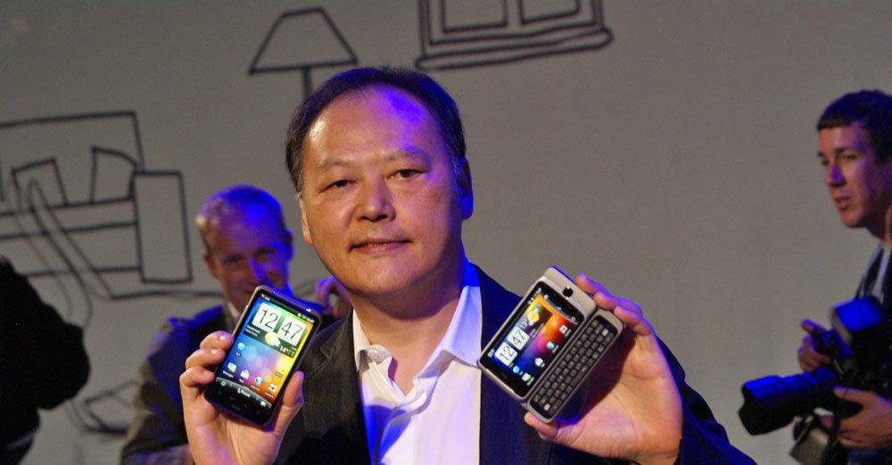 HTCs toppsjef Peter Chou varsler ny strategi i 2012. Bilde fra en tidligere anledning.